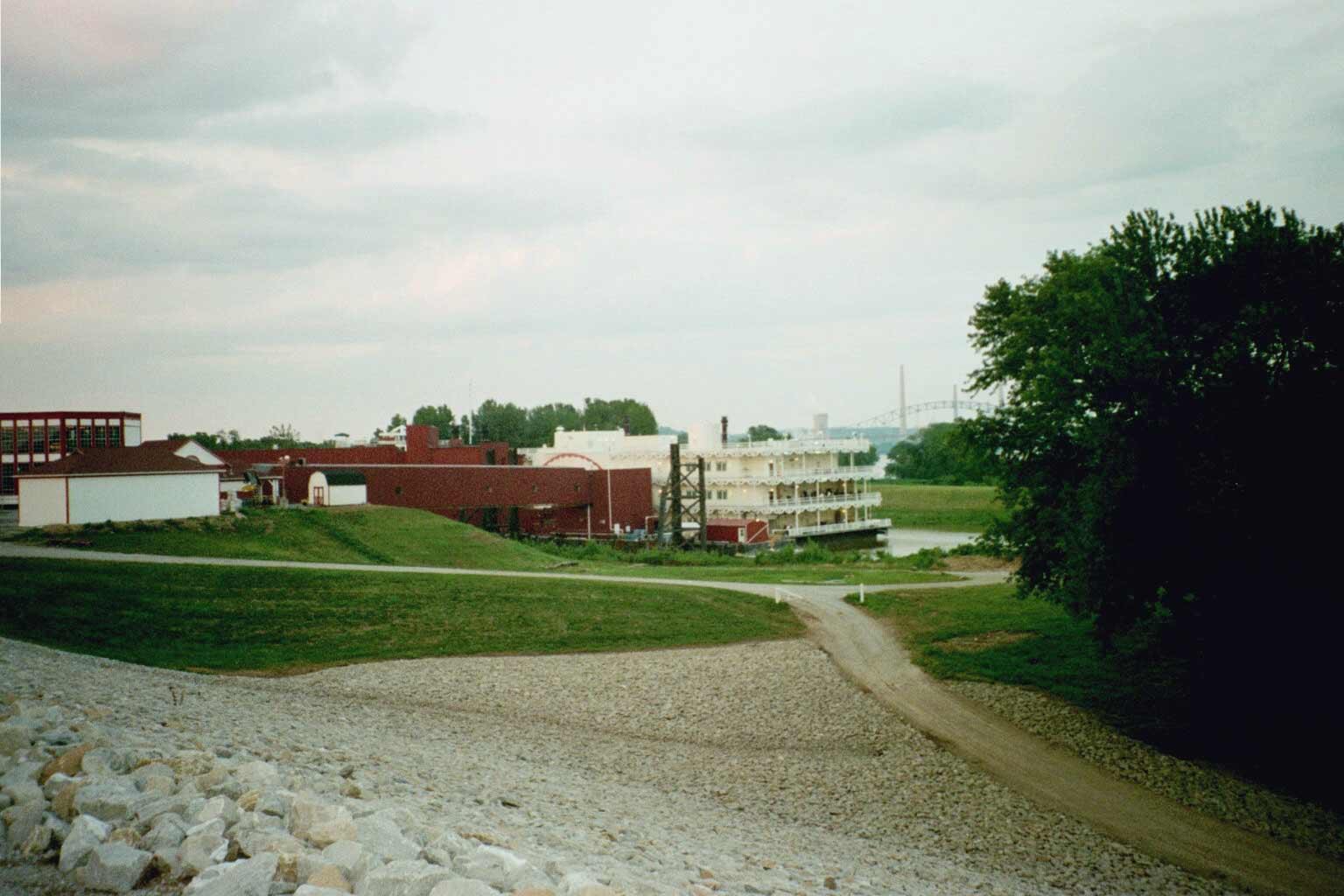 Riverboat casino lawrenceburg indiana