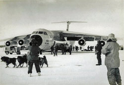 first C-141 at McMurdo